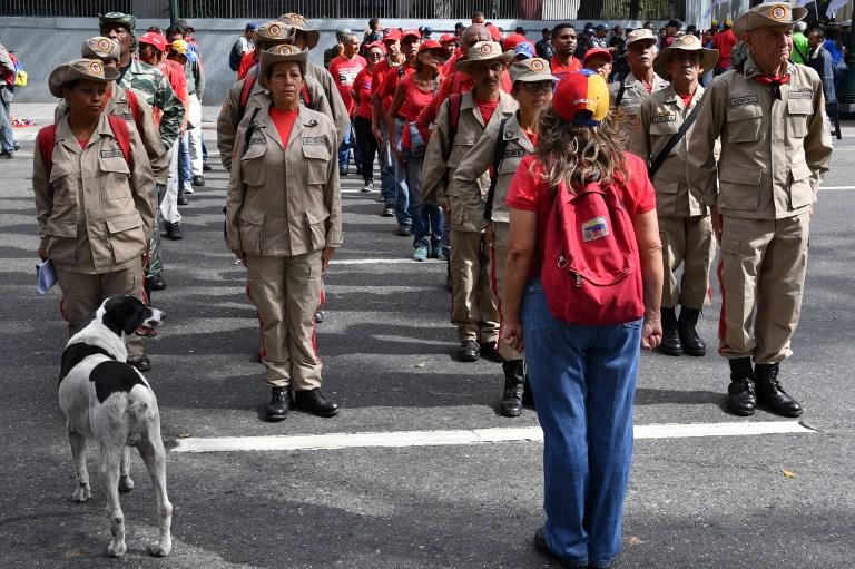Las milicias de Venezuela minutos antes de la concentración en el centro de Caracas en apoyo al presidente Maduro.