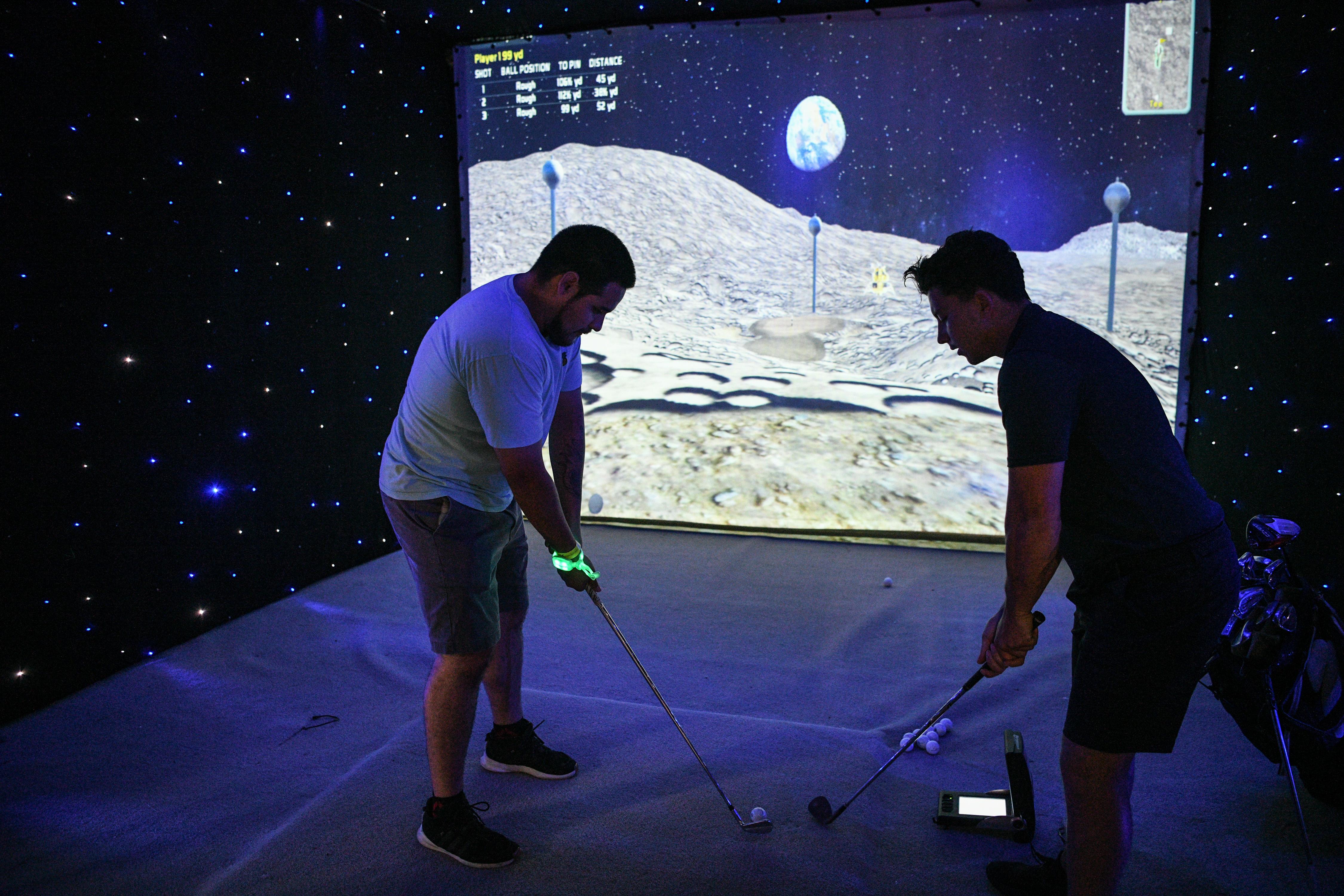 Cientos de personas se han acercado a las instalaciones del Space Kennedy Center para la celebración y exposiciones.