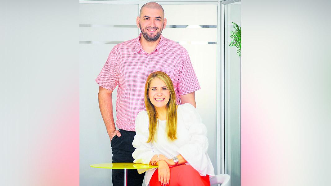 Los socios principales de Infinitum SCI-Tech: Jonathan Glen Petro y Doris Bray.