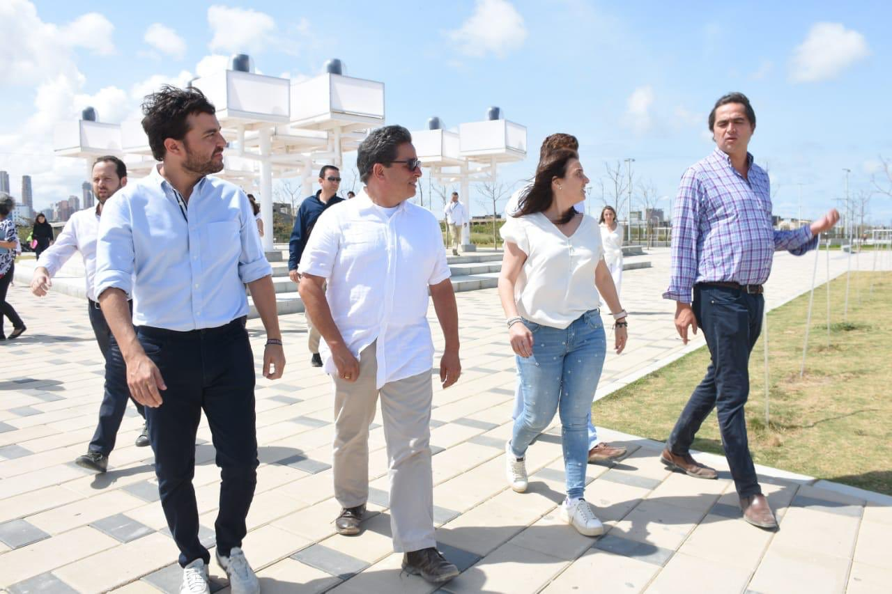El alcalde Jaime Pumarejo, el ministro Carrasquilla, Abudinen y Londoño.