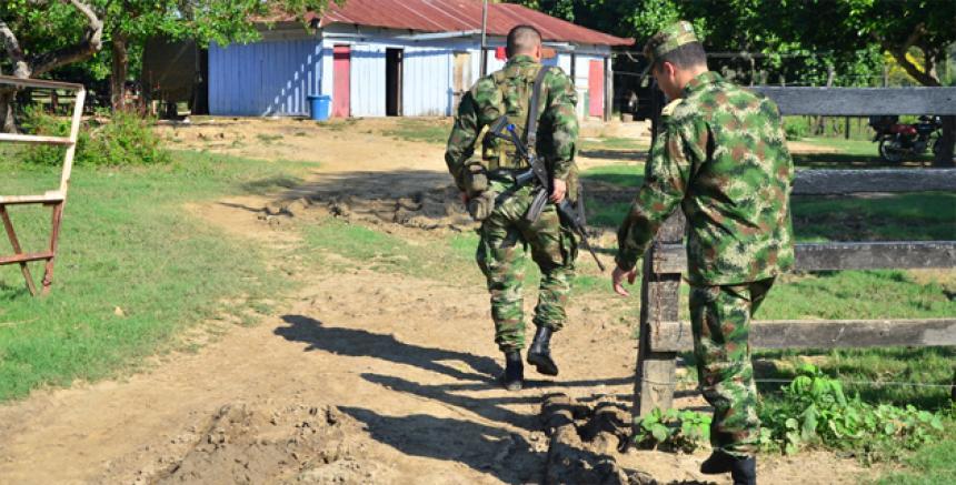 Los ganaderos piden presencia militar permanente.