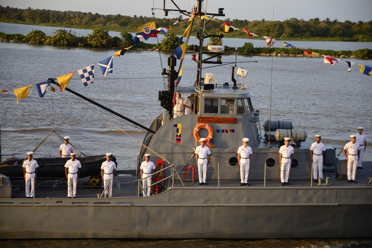La Armada Nacional también se hizo presente.