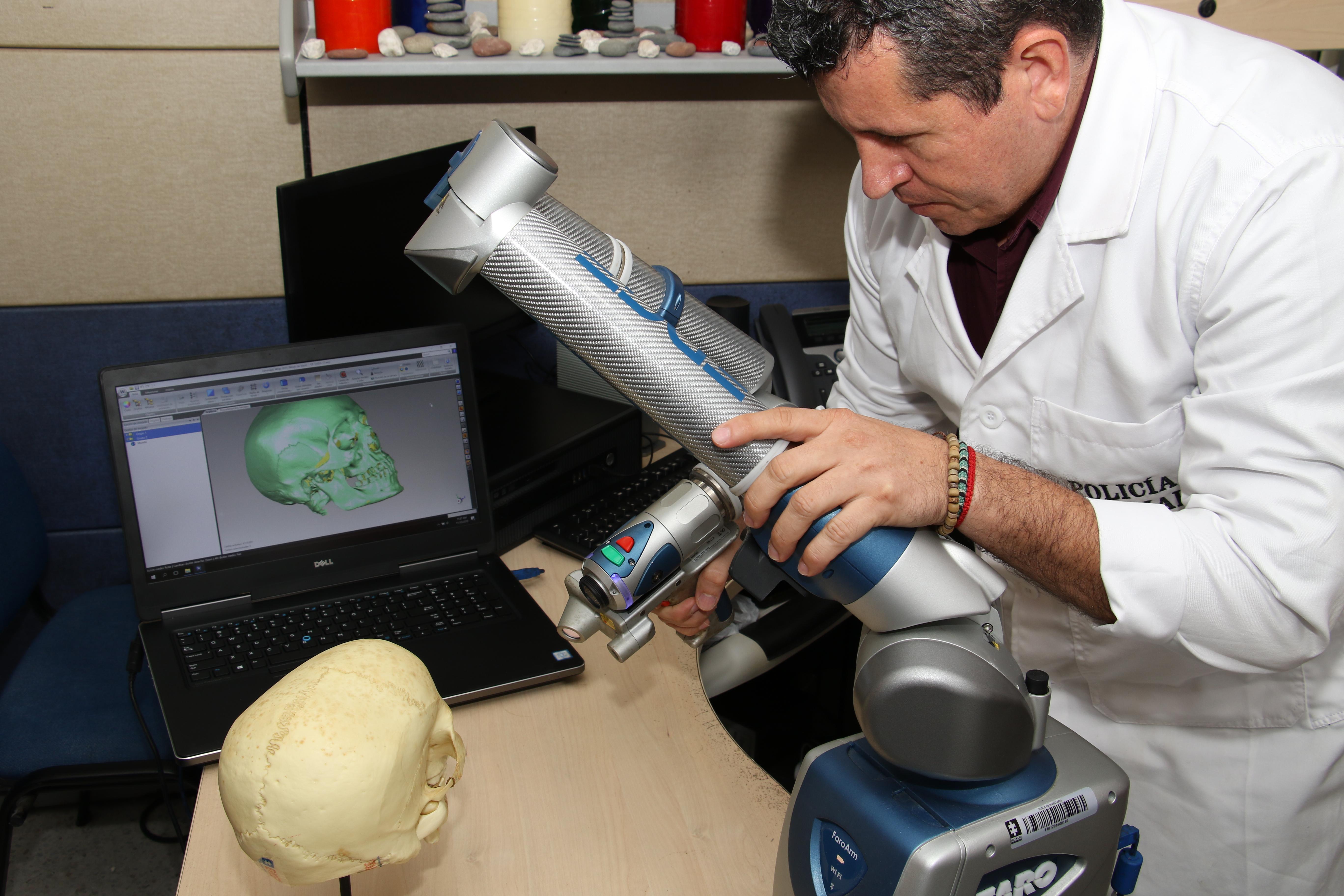 Así se reconstruye un cráneo en 3D.