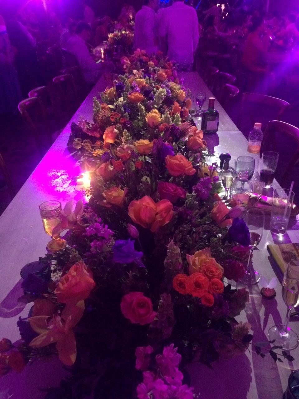 Las flores también fueron centro de mesa.