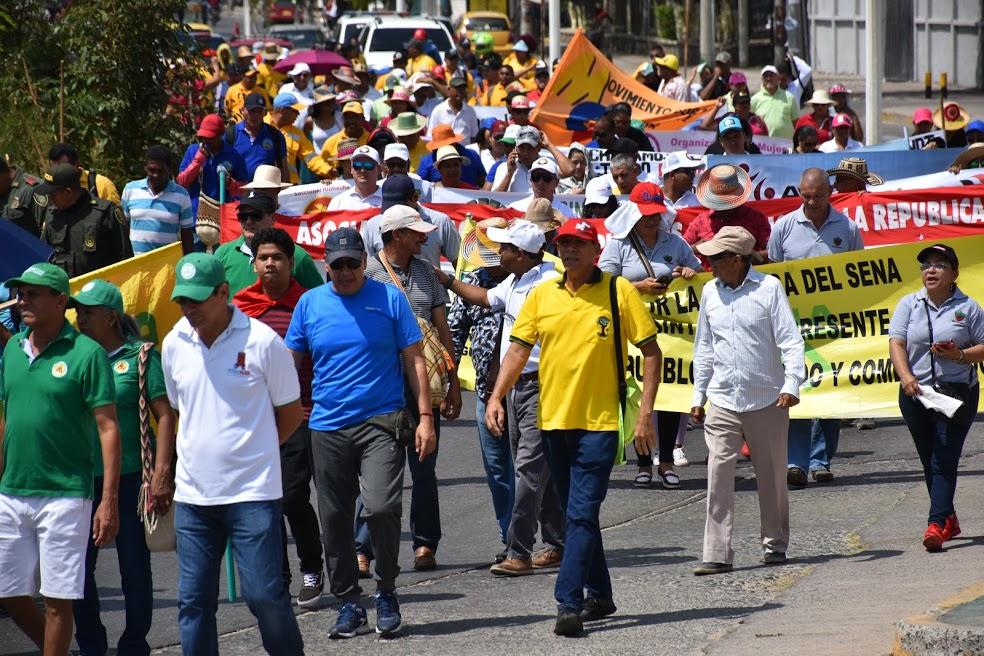 Trabajadores y universitarios marcharon  por las calles de Riohacha.