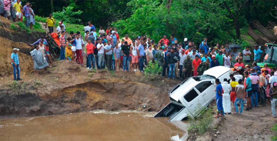 Uno de los accidentes en el puente de la quebrada Moreno.