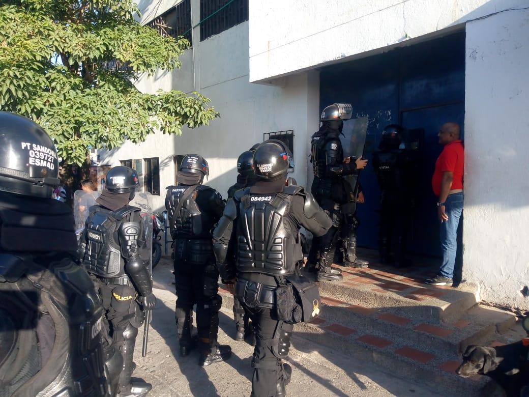 El ESMAD ingresa a la cárcel de Riohacha.