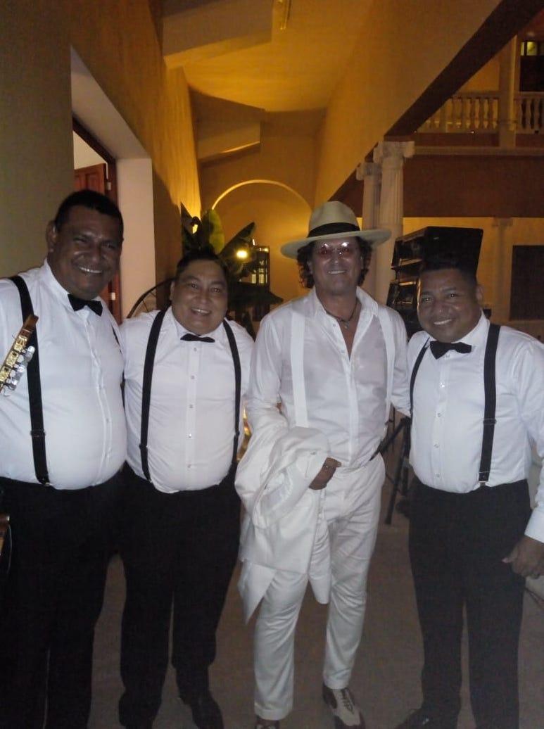 La agrupación en la boda del cantautor samario, Carlos Vives en 2018.
