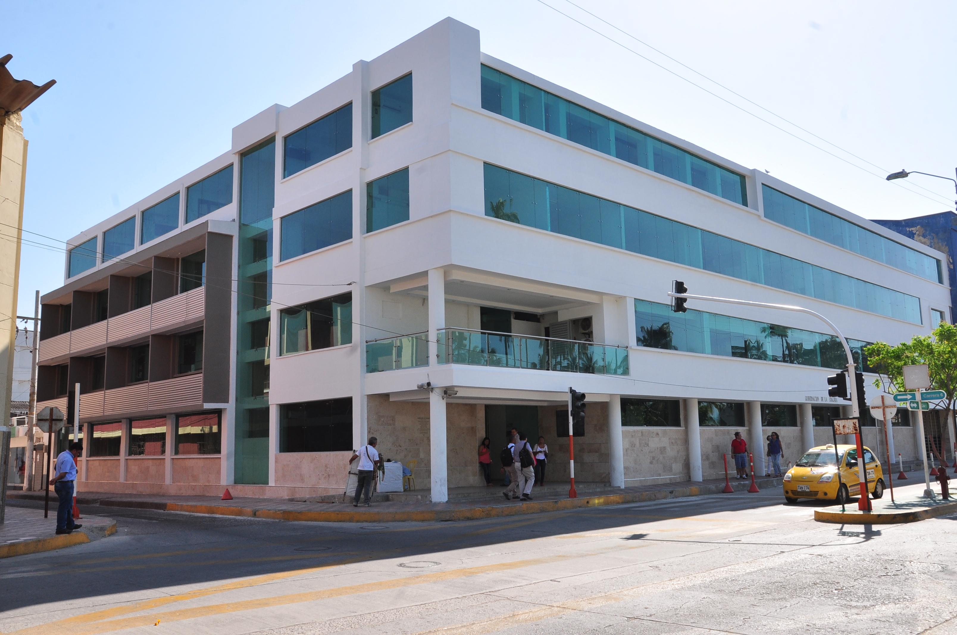 Fachada del edificio de la Gobernación de La Guajira.