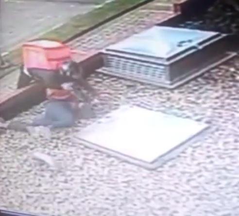Mujer arrastrada en intento de hurto en Bogotá.