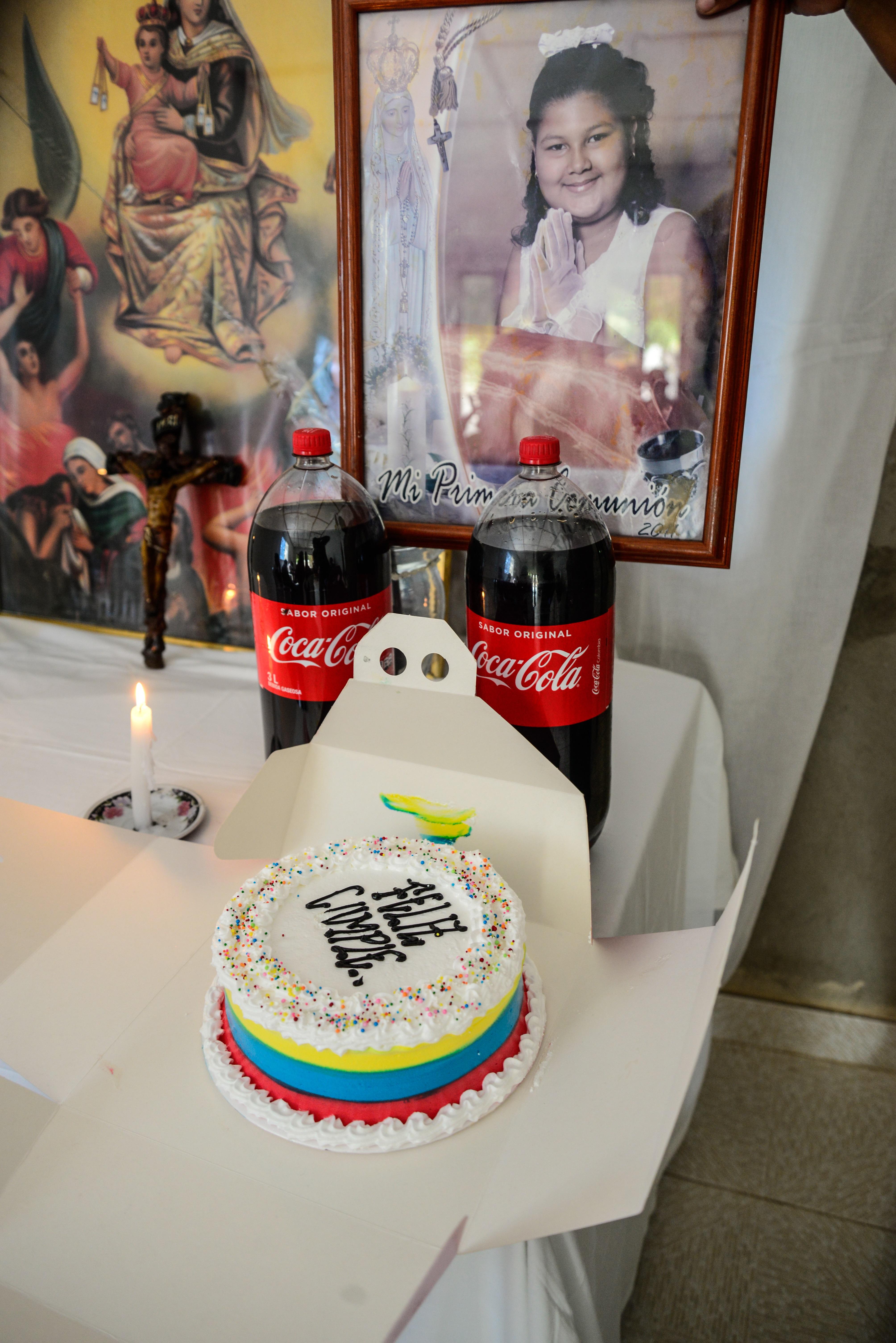 El pudín para celebrar el cumpleaños de Angie quedó intacto en su casa.
