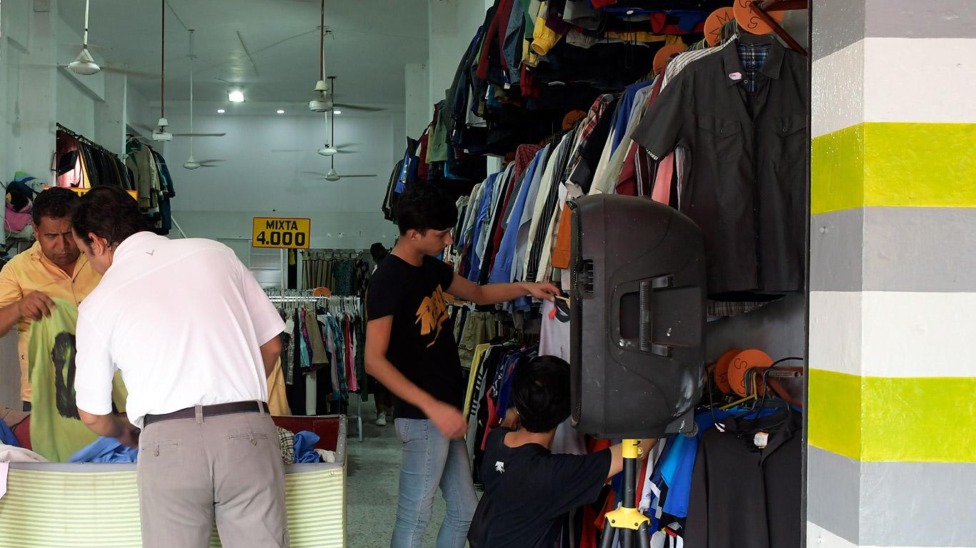 En la ciudad se puede encontrar ropa de segunda en locales ubicados en la calle 30, entre carreras 38 y 40.