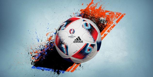 """Adidas explica que """"la imprevisibilidad de las últimas etapas en un gran  torneo también es capturada en el diseño de Fracas  f8a7f66b9fddd"""