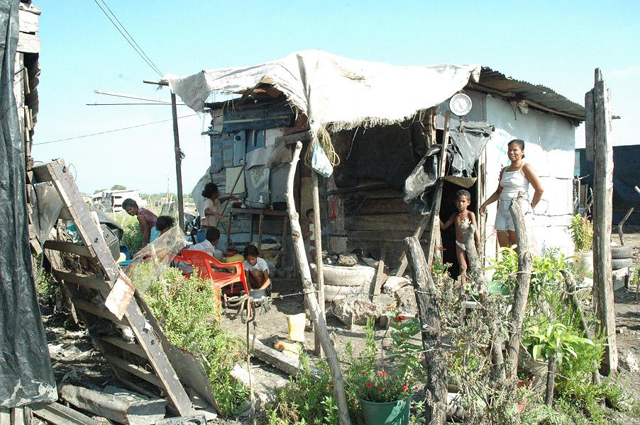 Resultado de imagen para pobreza de la gente en colombia
