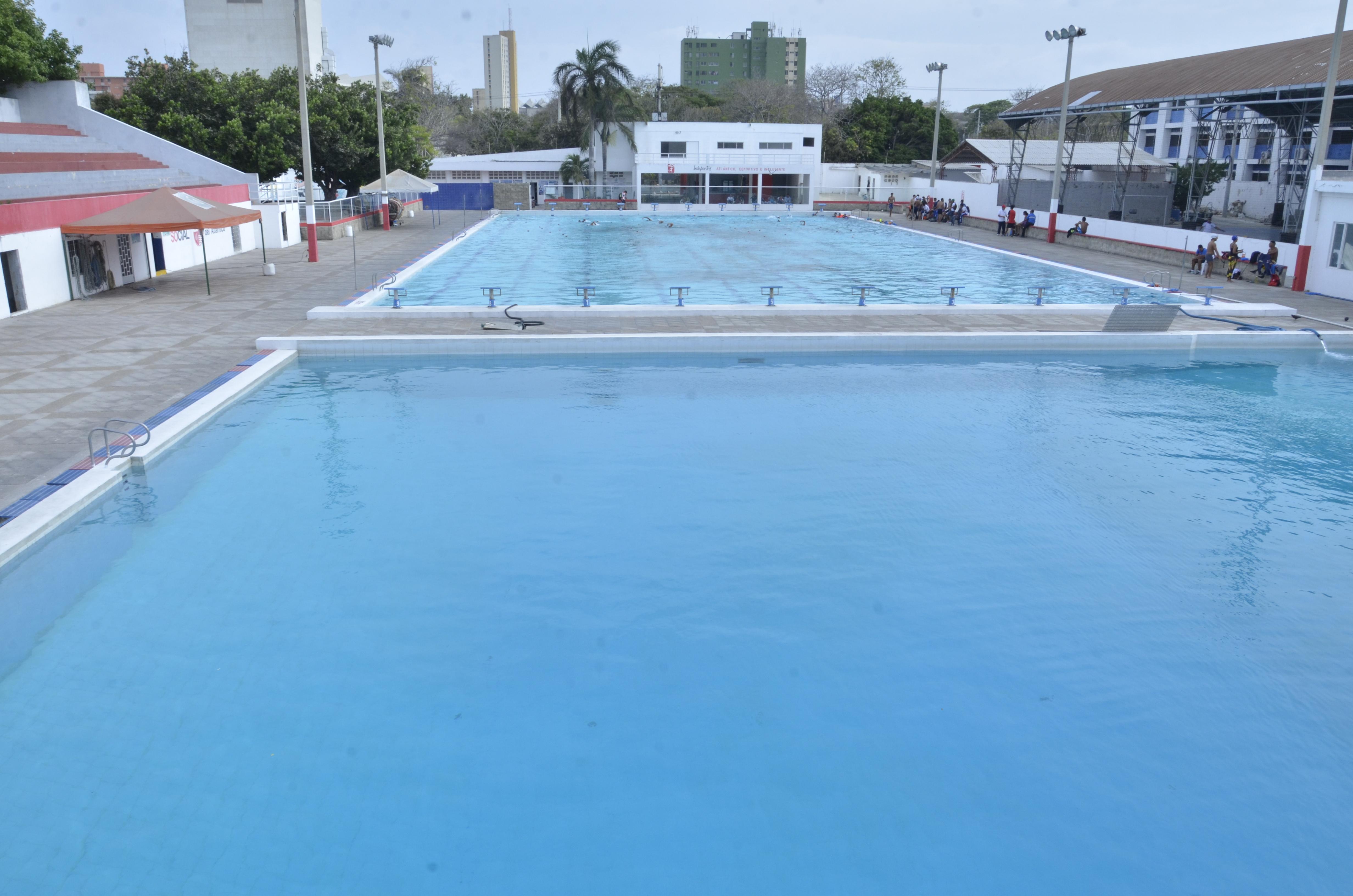 En julio se inician obras en la piscina ol mpica el heraldo for Piojos piscina