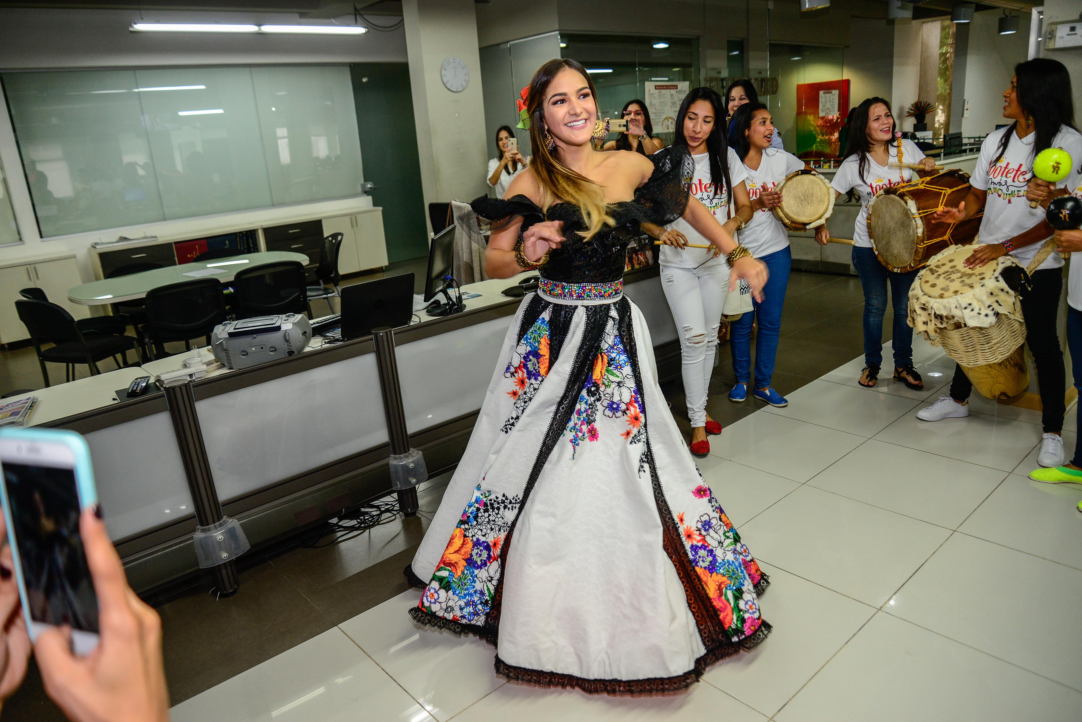 Valeria Abuchaibe Rosales, tras su llegada a la sala de redacción de EL HERALDO.