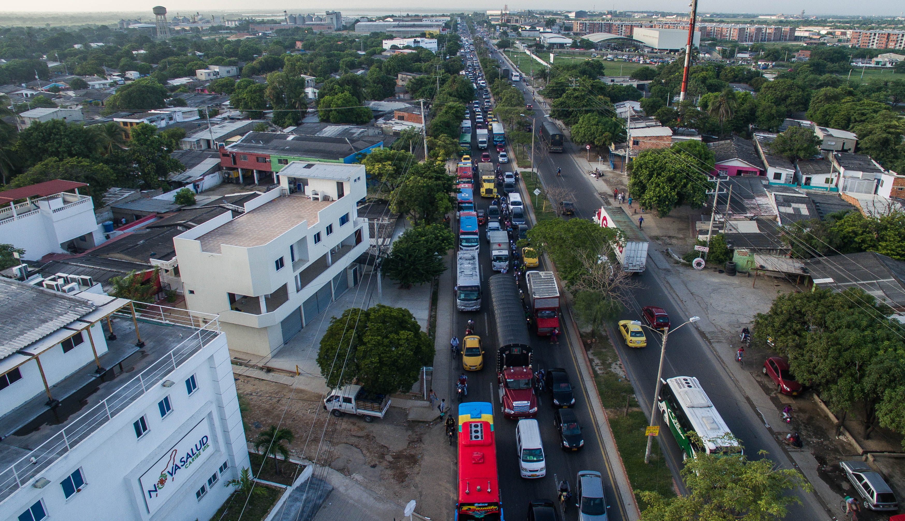 Resultado de imagen para caos vehicular en la calle 30 de barranquilla