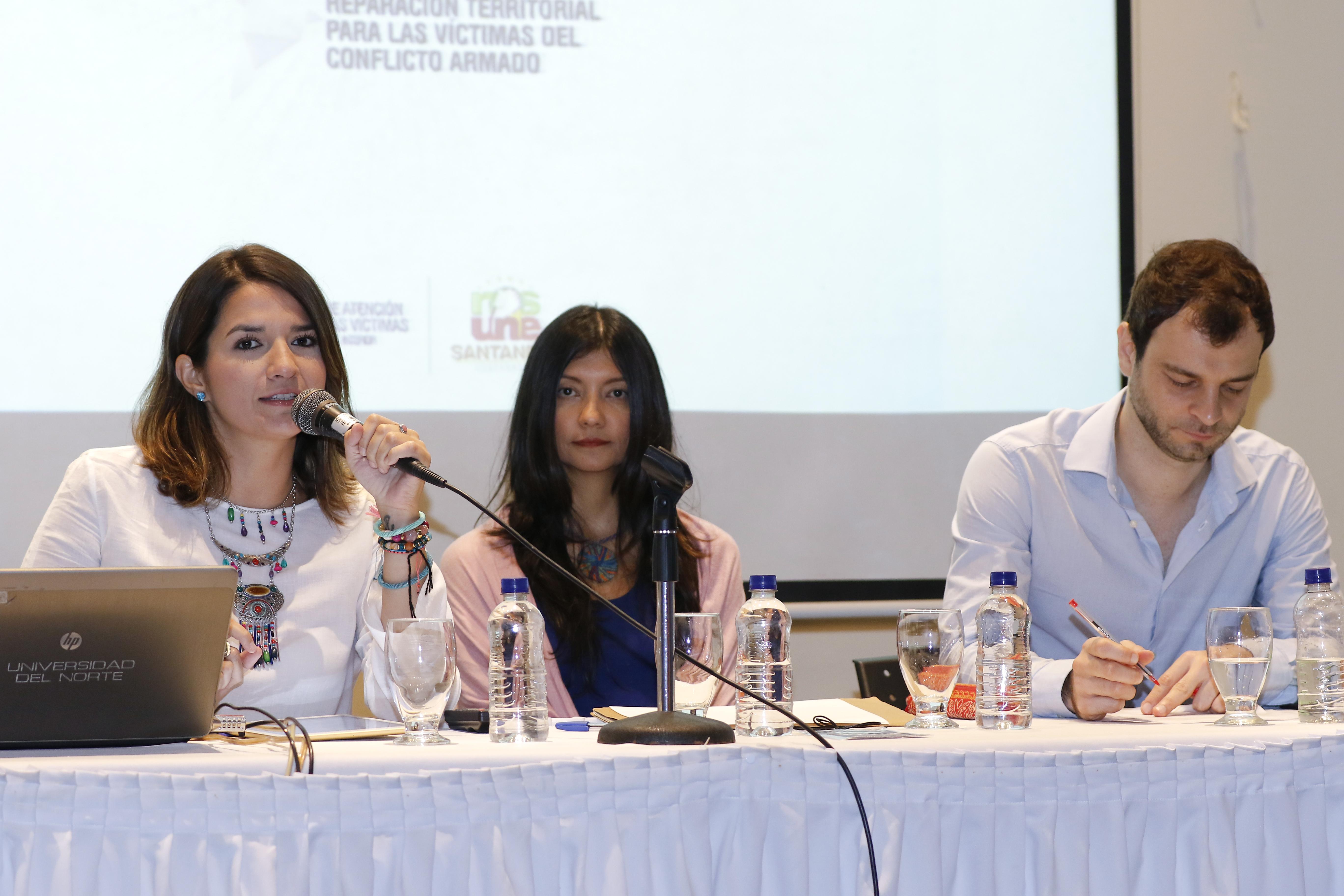 Ibáñez ofreció una conferencia sobre el papel de las instituciones regionales en el posconflicto.