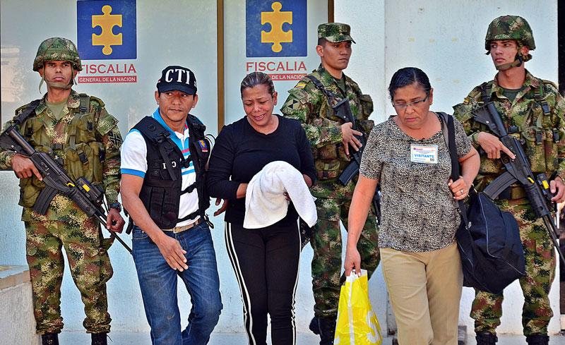 Ana Batista (c)  acusada por la Fiscalía como determinadora de la muerte de su esposo Julio Gámez Bracho