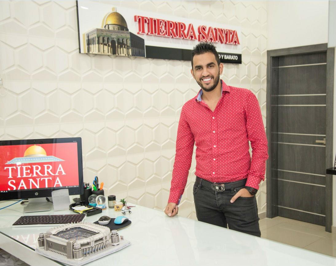 Bilal Gevara, gerente de operaciones de almacenes Tierra Santa.