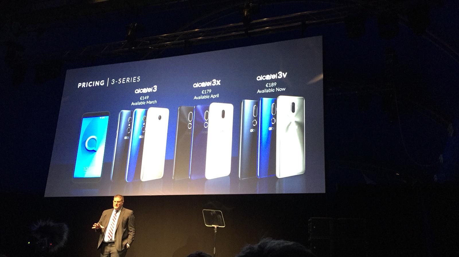 3e68f8ee554 Con cinco celulares y dos tabletas