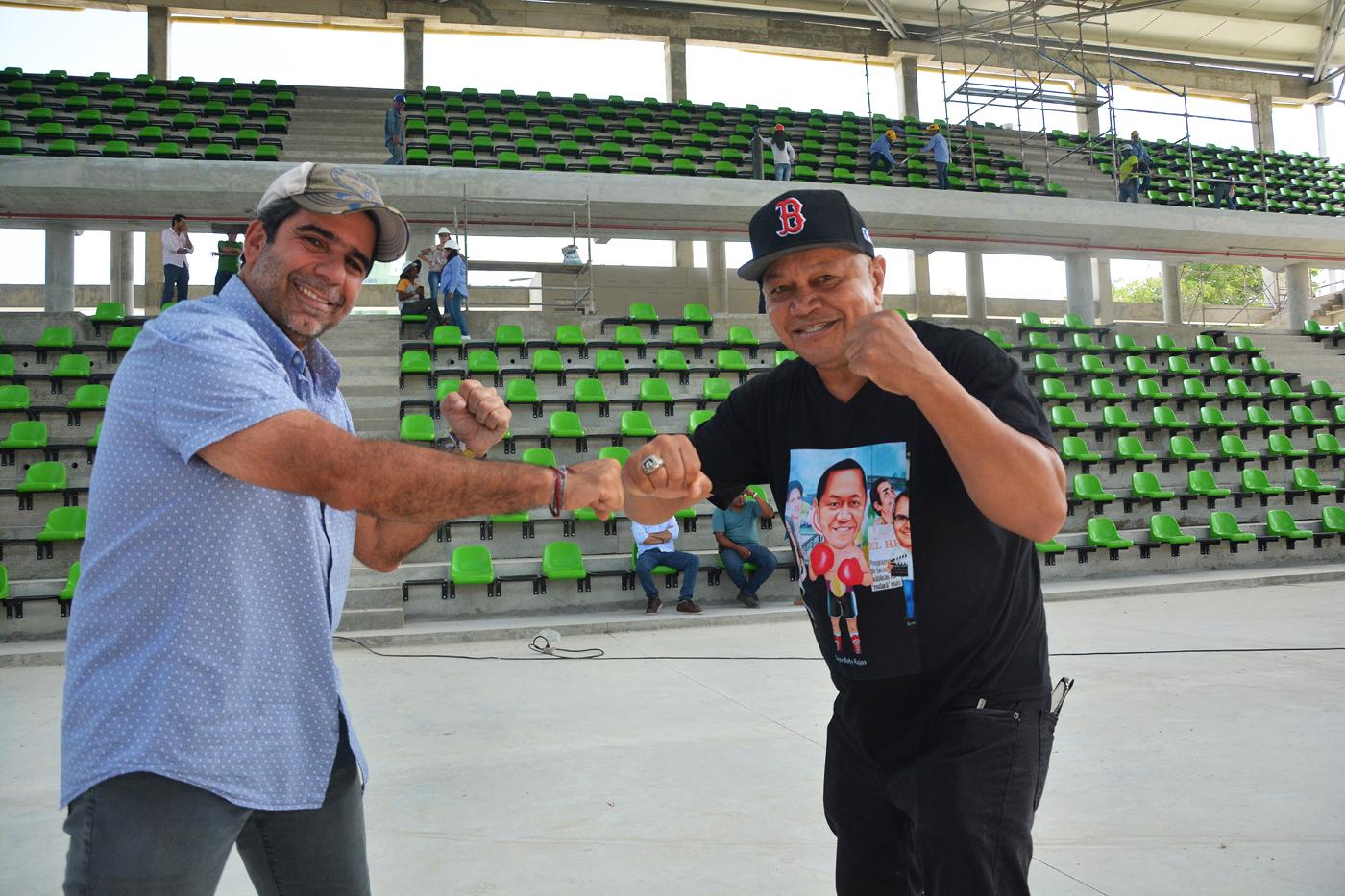 El alcalde de Barranquilla, Alejandro Char, le mostró a Sugar Baby Rojas cómo va el Palacio de Combates.