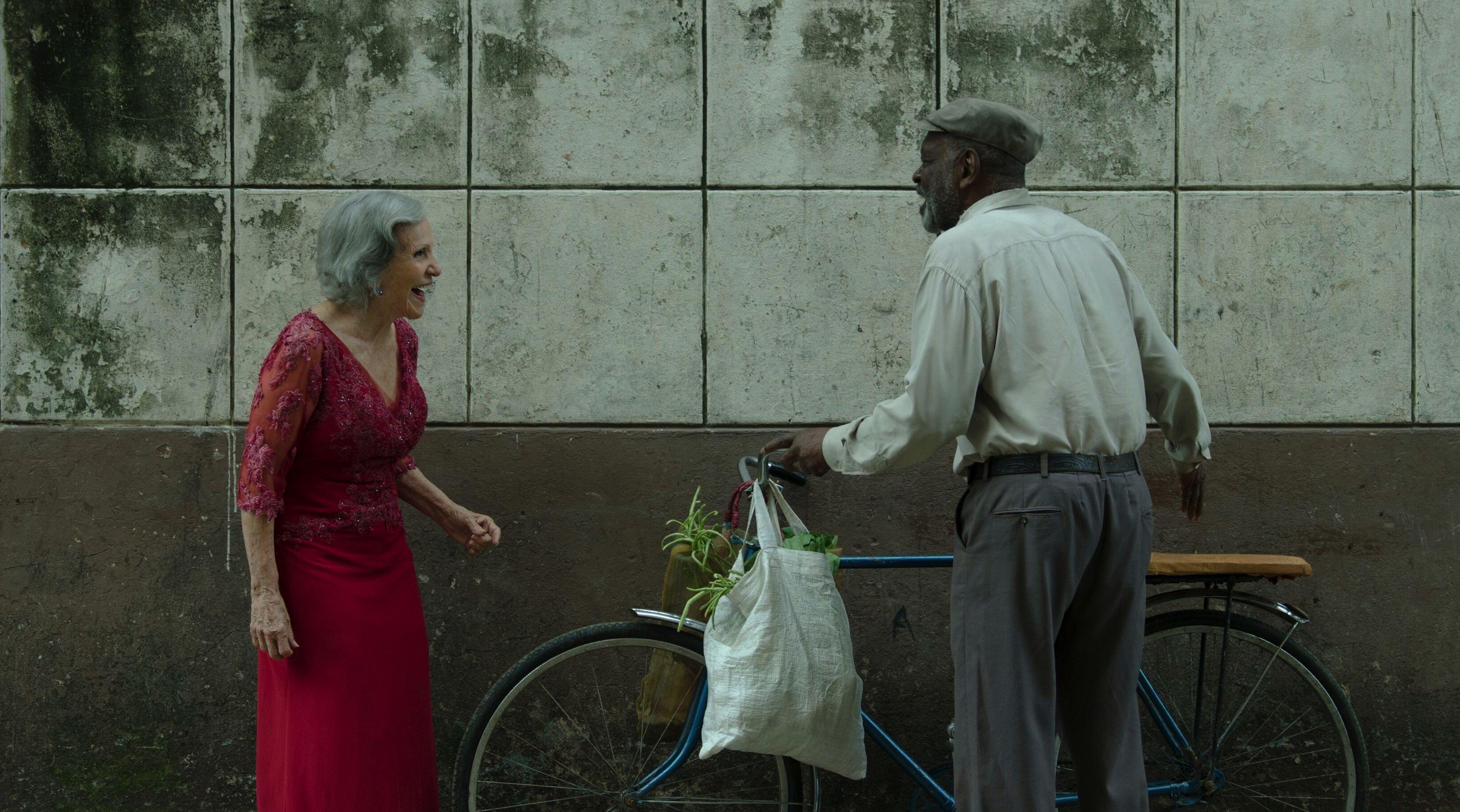 Verónica Lynn (Candelaria) y Alden Knight (Víctor Hugo), protagonistas cubanos del filme.