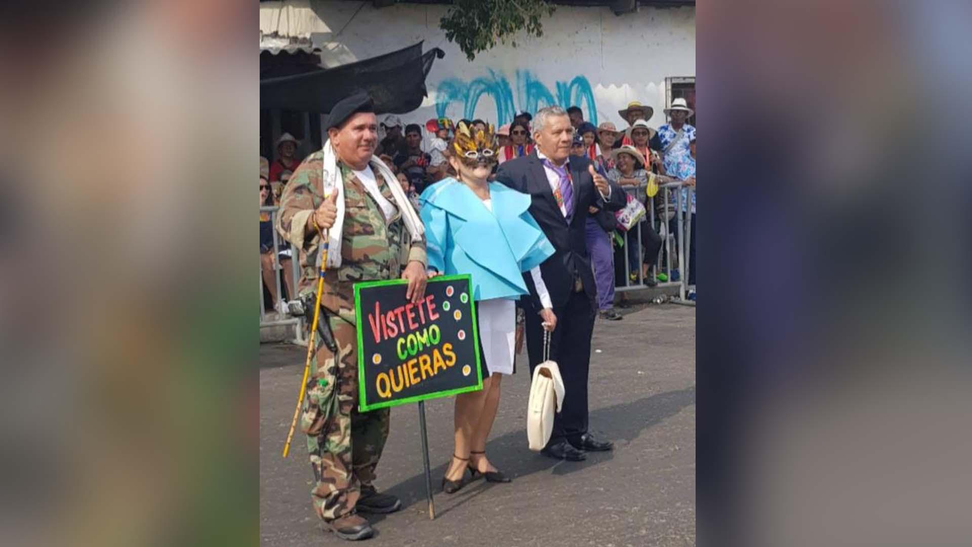 d0e08d0287 Mujer que se disfrazó como Primera Dama en el Carnaval de la 44 recibe  amenazas por las redes