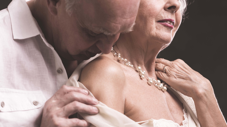 Abuelas Maduras sexo después de los 60   el heraldo
