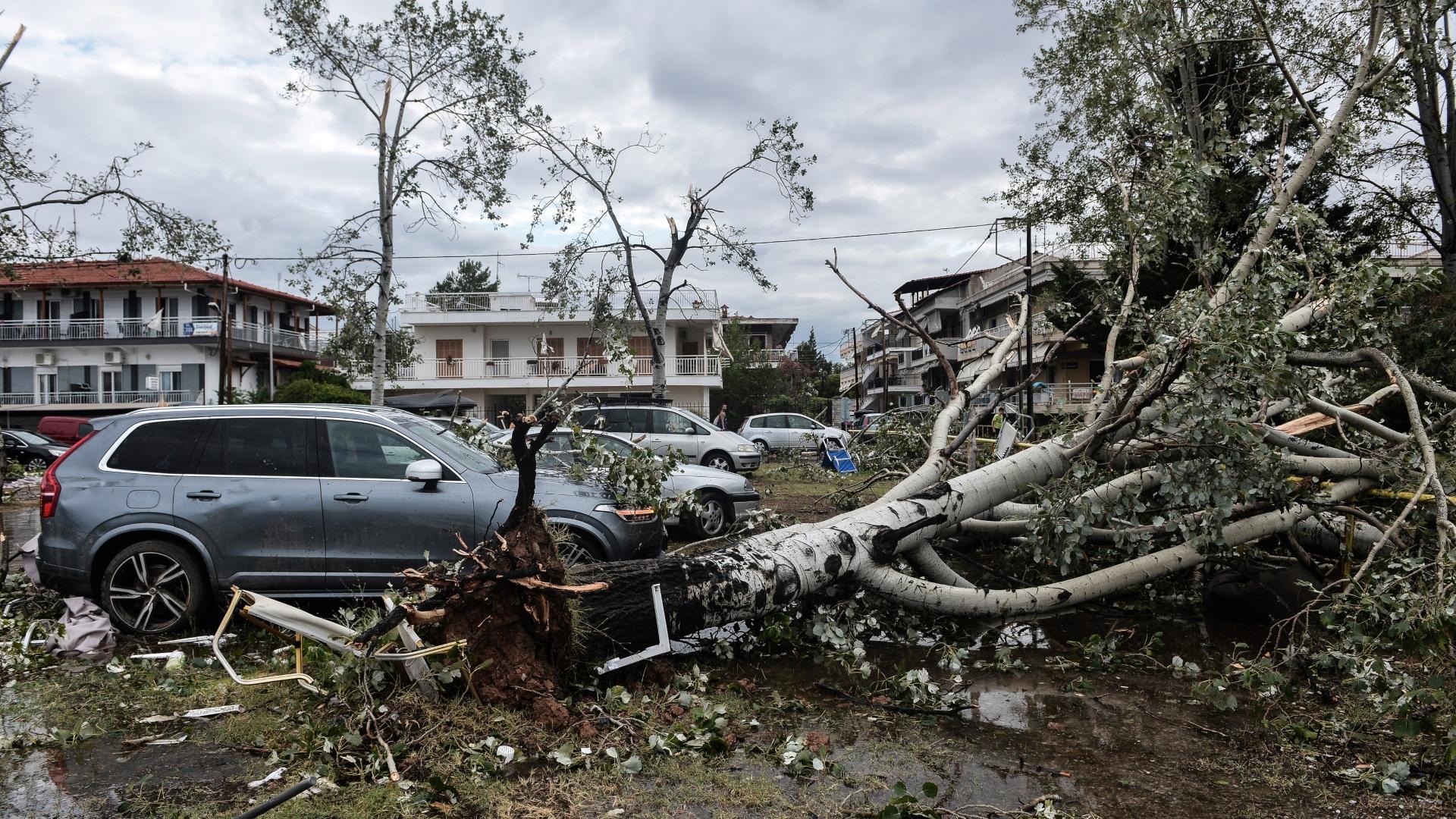 Resultado de imagen para Siete muertos en un tornado en Grecia,