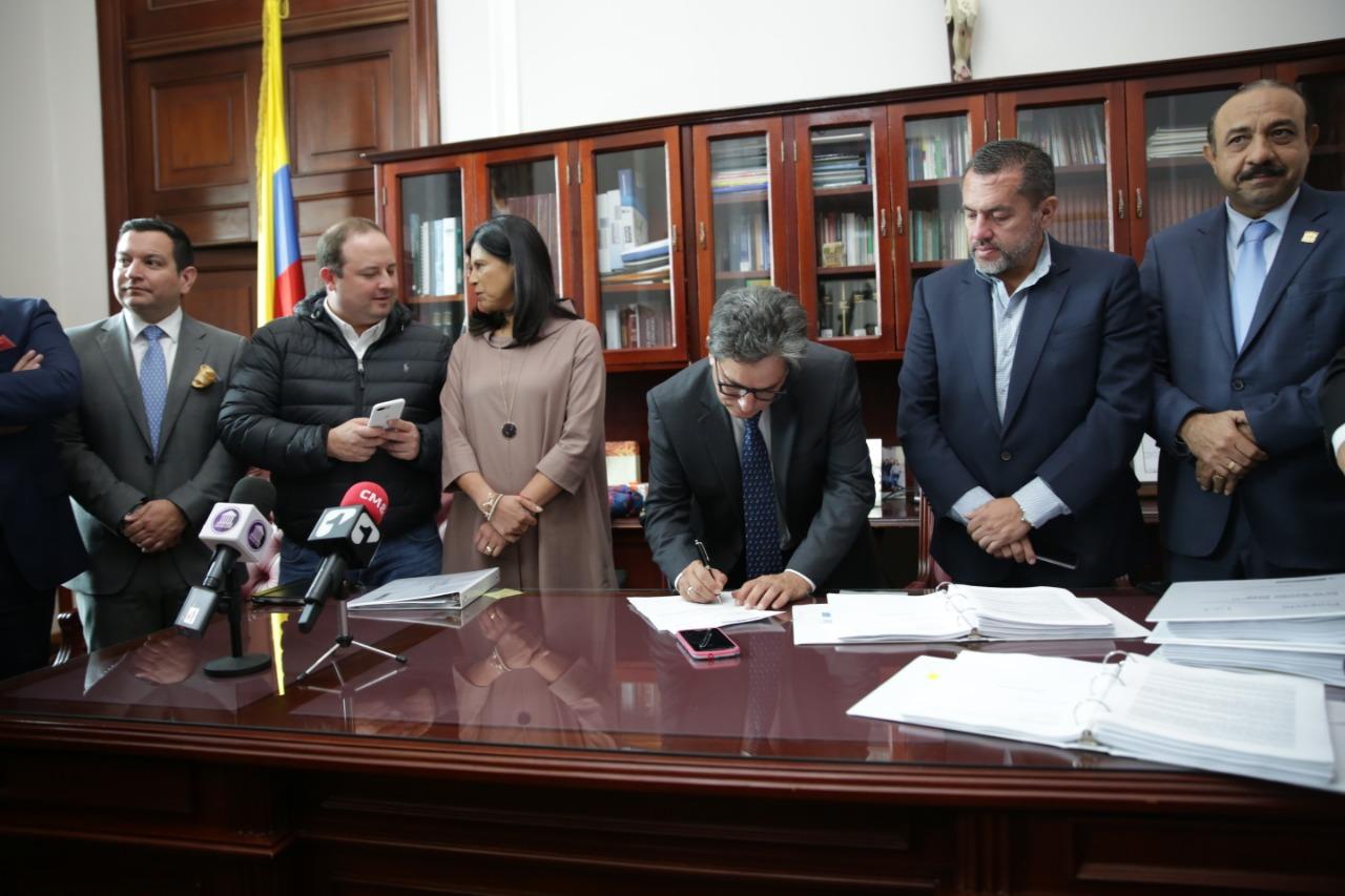 Resultado de imagen para presupuesto 2020 colombia
