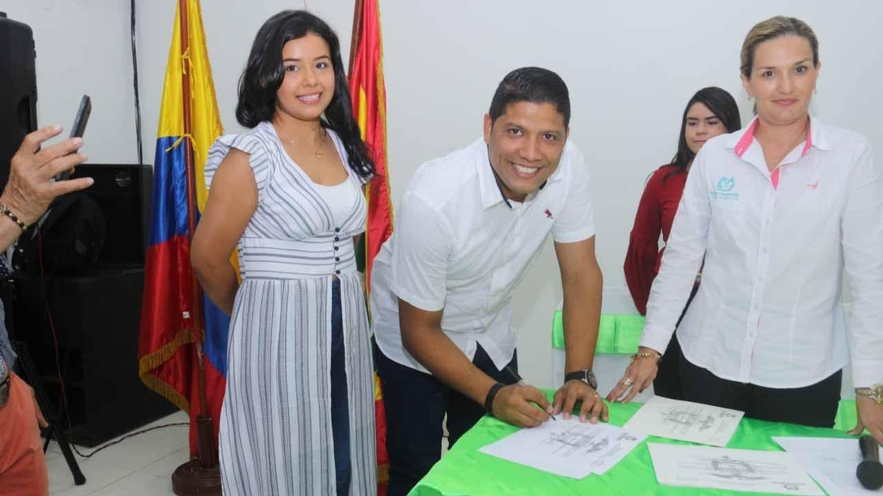Alcalde electo de Malambo, Rumenigge Monsalve, recibió credencial de la Registraduría - El Heraldo (Colombia)