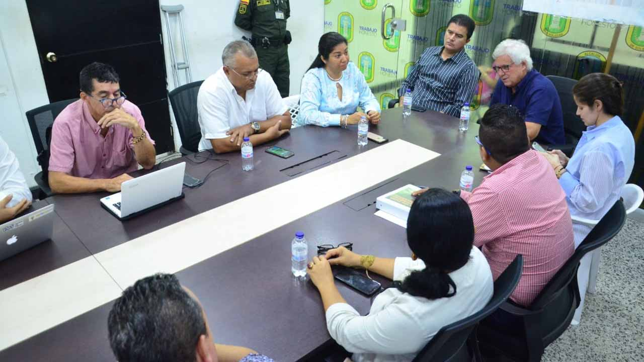 Joao Herrera y Rodolfo Ucrós comenzaron empalme en Soledad - El Heraldo (Colombia)