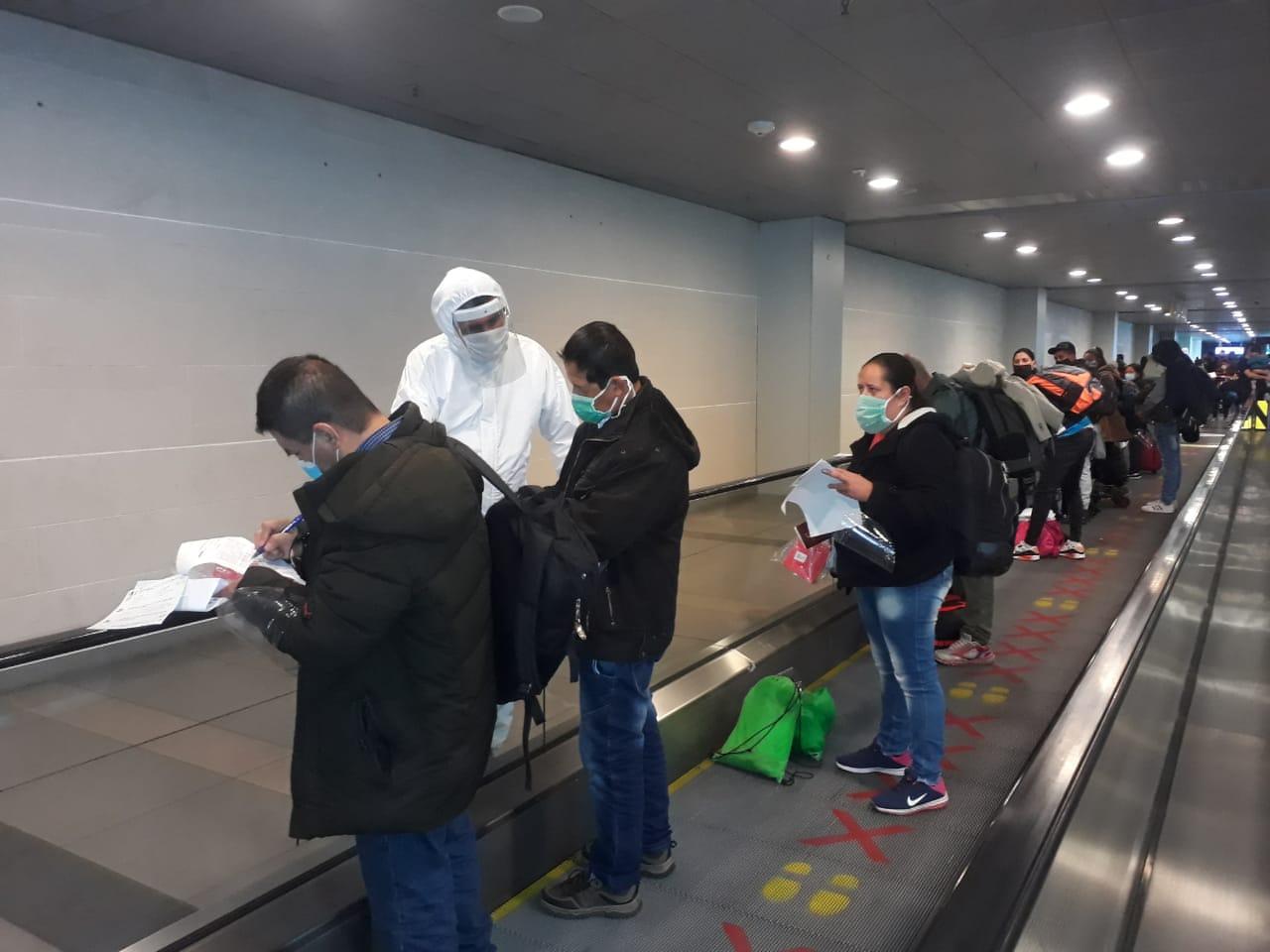 Cerca de 180 colombianos varados en Chile por la pandemia regresan ...