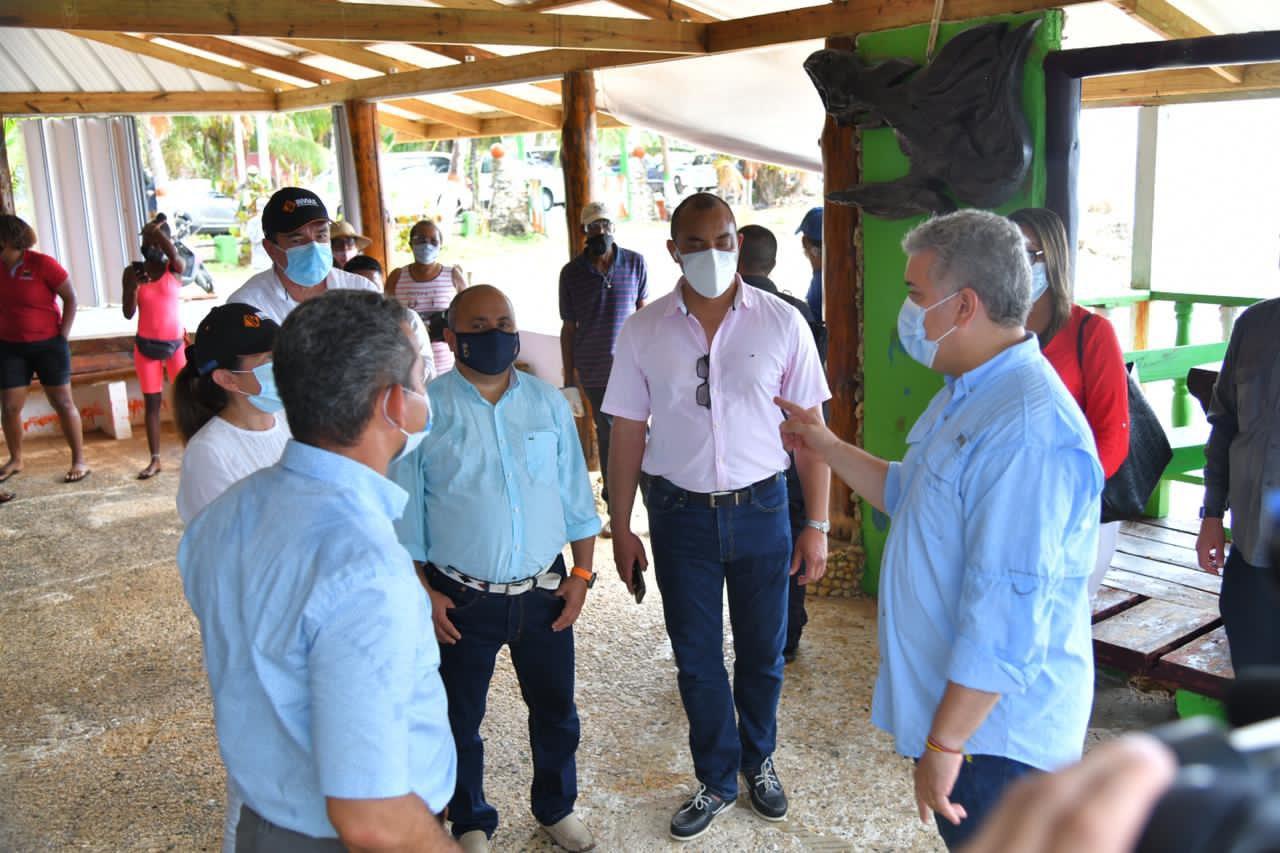 Presidente Duque recorrió zonas afectadas por fuertes lluvias en San Andrés  | El Heraldo