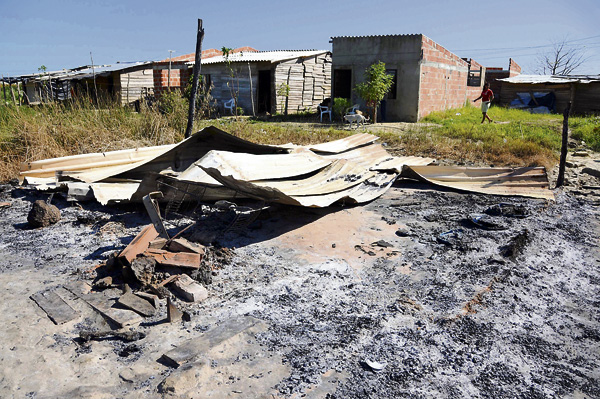 En el barrio Pinar del Río, borracho quemó la casa de su vecina   El Heraldo