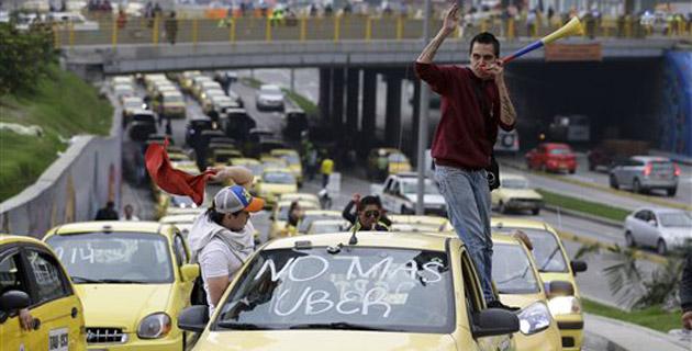 Paro de taxistas en Bogotá contra servicio de Uber | El Heraldo
