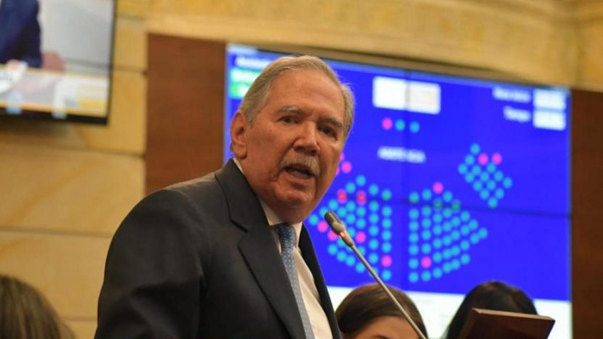 El ex ministro de defensa Guillermo Botero.