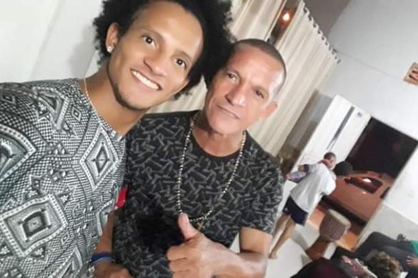 Brayan junto a su papá Rogelio Hernández.