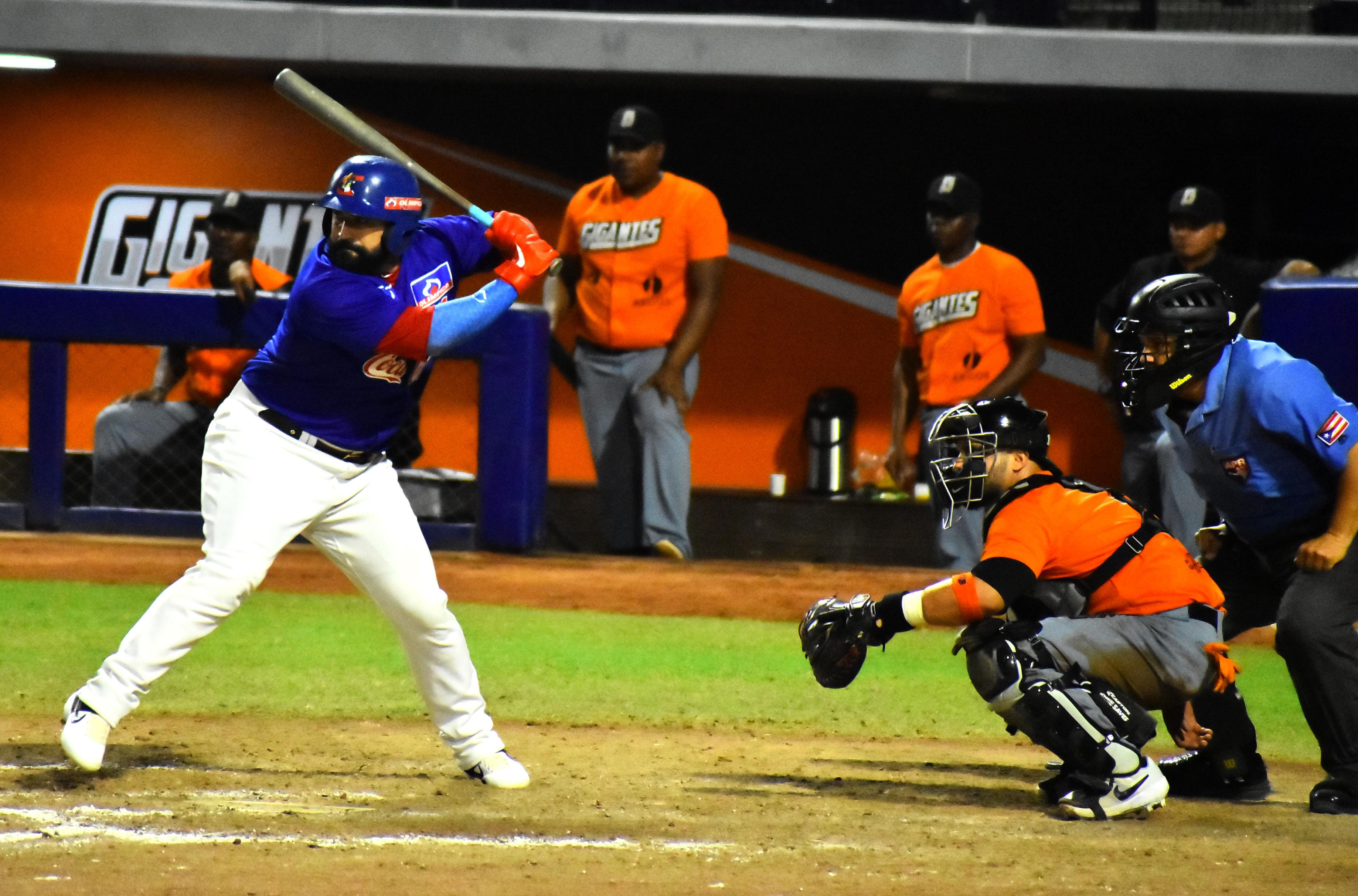 El grandesligas venezolano Sandy León jugó como bateador designado con los Caimanes.