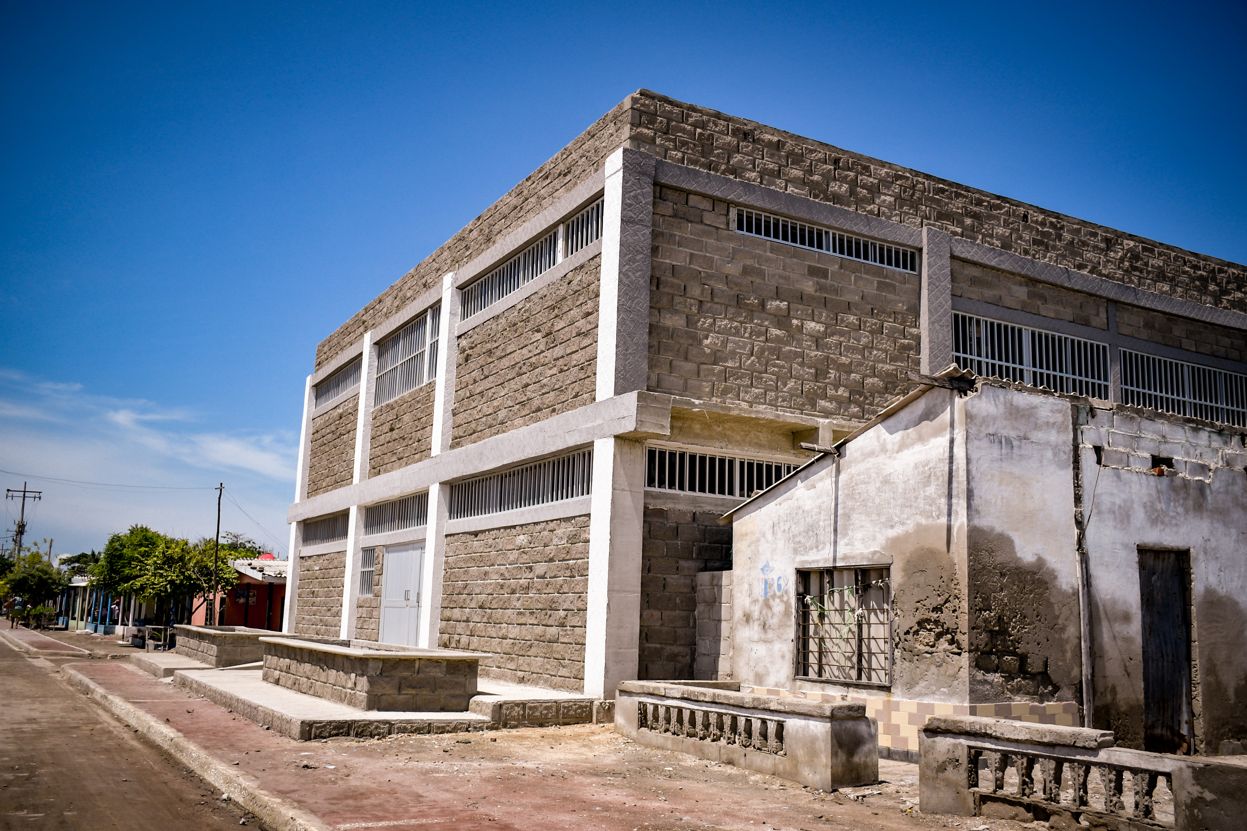El único colegio de Tasajera está casi listo. Los niños están recibiendo clases en viviendas aledañas.