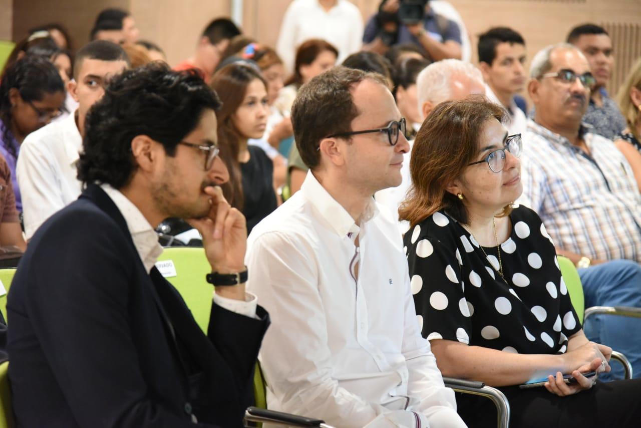 Luis Hernán Sáenz, coordinador nacional de la Red de Ciudades Cómo Vamos y Manuel Fernández Ariza, directior de Cómo Vamos Barranquilla, durante el encuentro en Santa Marta.