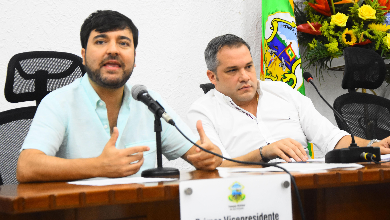 El alcalde Pumarejo y el concejal Julio Álvarez.