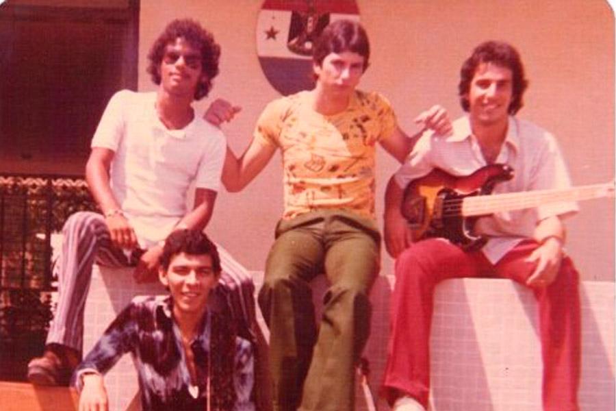 Daccarett blues band.