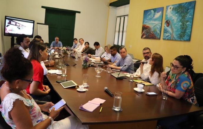 El alcalde electo y el Consejo Gremial de Bolívar en la reunión preparatoria de la comisión de empalme.