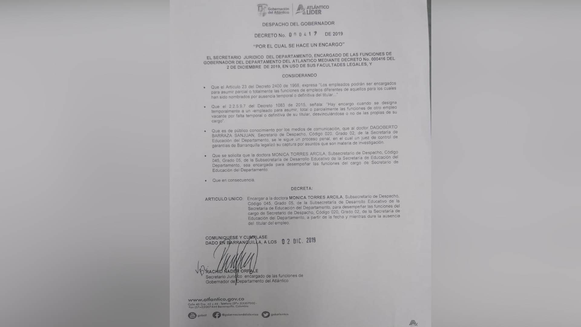 Decreto en el que se designa a la funcionaria Mónica Torres como Secretaria de Educación (e) del Atlántico.