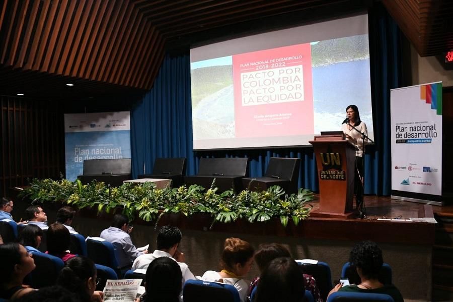 Gloria Amparo Alonso, directora del DNP, durante su intervención en el debate.