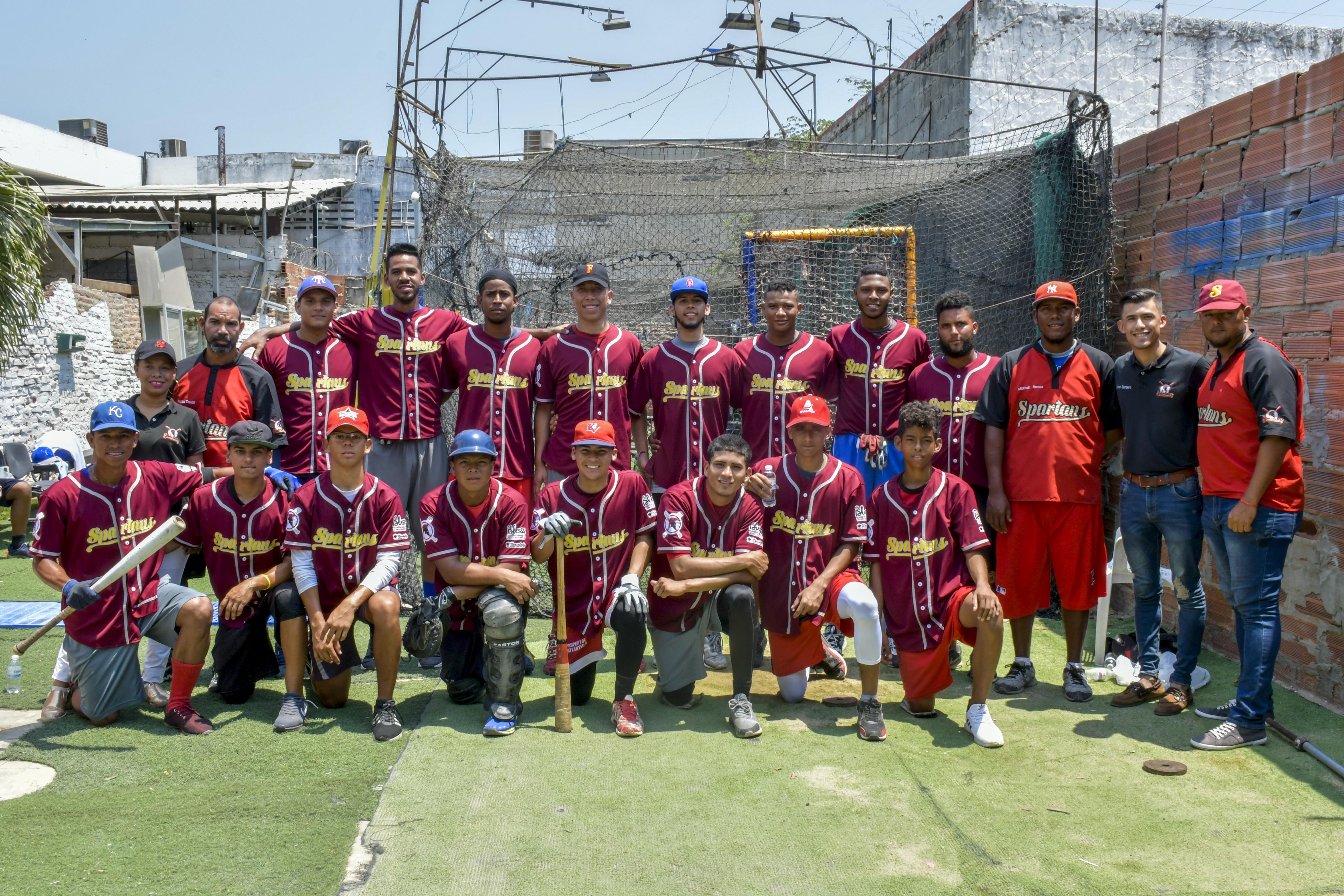 Parte de la delegación de los Spartans entrenando en el Barrio Abajo de Barranquilla.