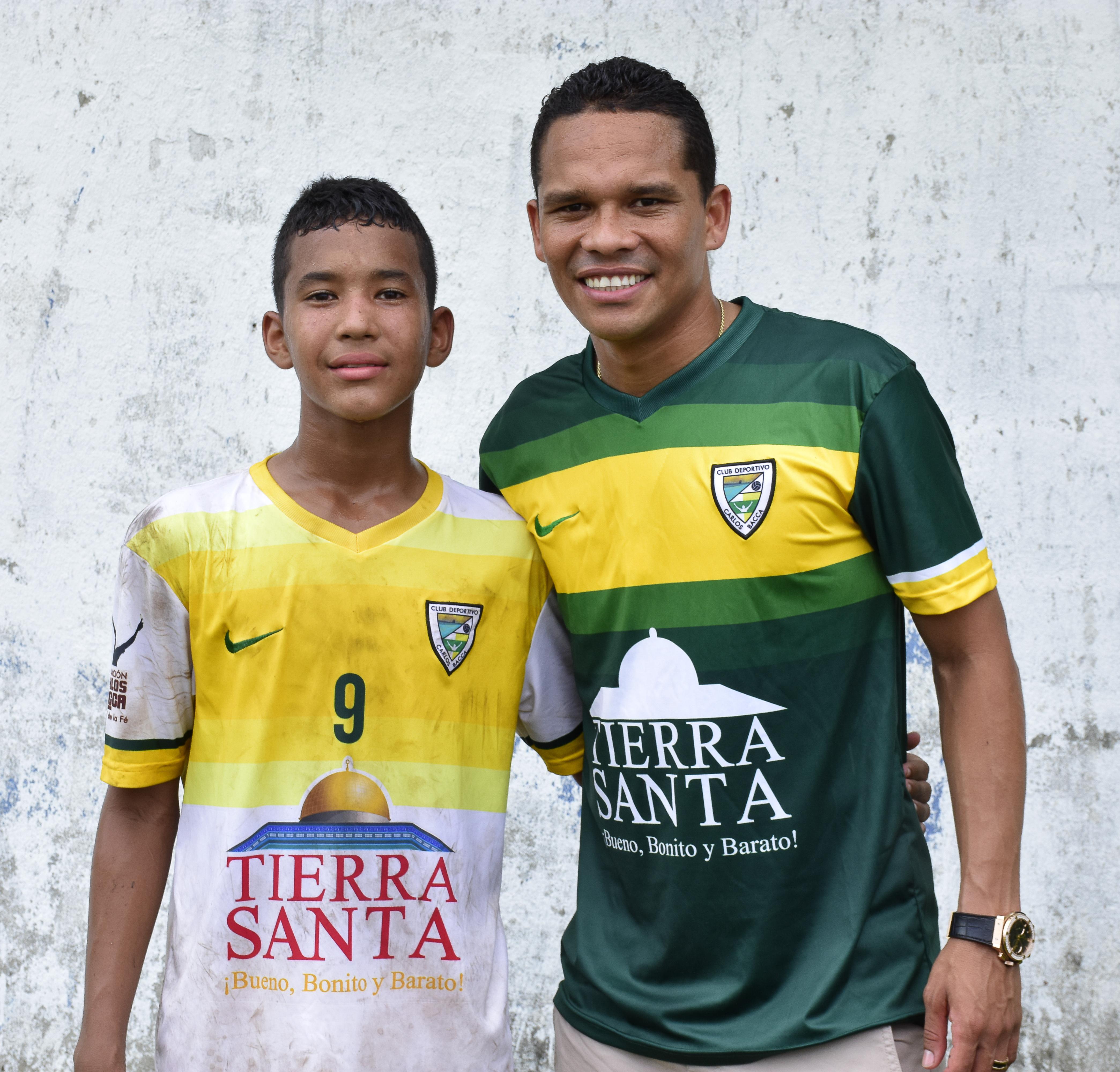 Bacca junto a su sobrino Miller Joel.