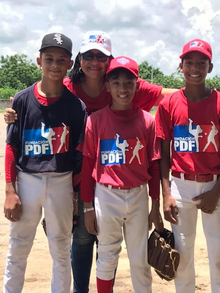 Erika Crissón, directora general de PDF, junto a Luis Puello, Michel Narváez y Jefferson Solorzano.